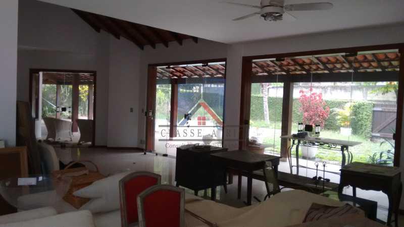 14 - VENDA ou LOCAÇÃO- Cond. Eldorado-Casa alto padrão - 6 quartos - 4 suítes - Piscina. - FRCN60001 - 11