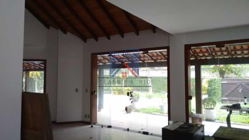 15 - VENDA ou LOCAÇÃO- Cond. Eldorado-Casa alto padrão - 6 quartos - 4 suítes - Piscina. - FRCN60001 - 12