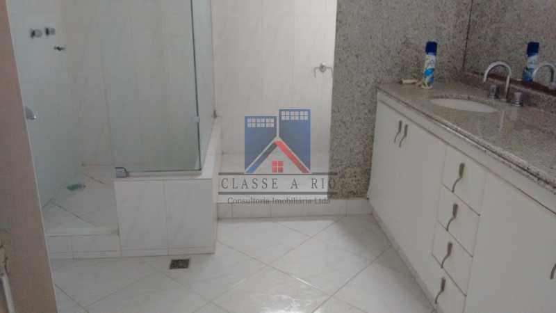 24 - VENDA ou LOCAÇÃO- Cond. Eldorado-Casa alto padrão - 6 quartos - 4 suítes - Piscina. - FRCN60001 - 25