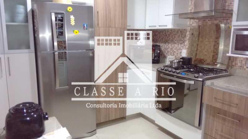 011 - Pechincha-Otima casa condominio,3 quartos,suite, 3 vagas de garagem - FRCN30003 - 12