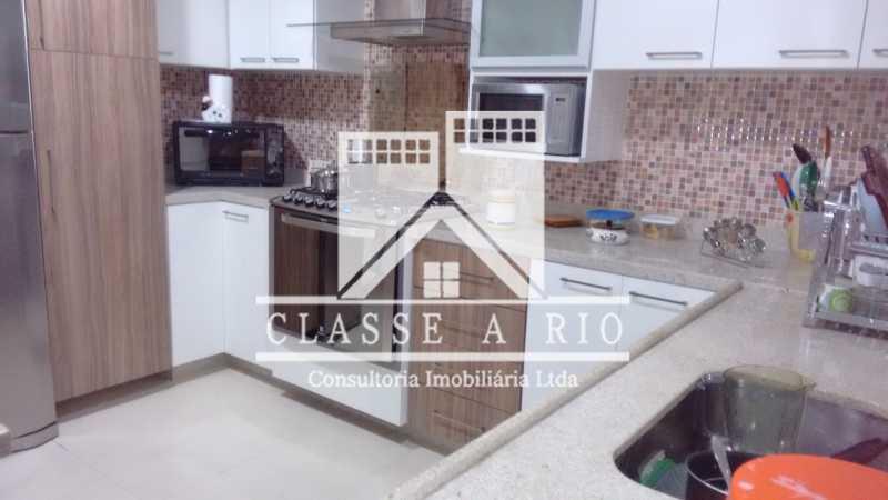 012 - Pechincha-Otima casa condominio,3 quartos,suite, 3 vagas de garagem - FRCN30003 - 13