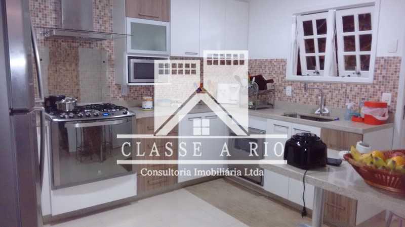 013 - Pechincha-Otima casa condominio,3 quartos,suite, 3 vagas de garagem - FRCN30003 - 14