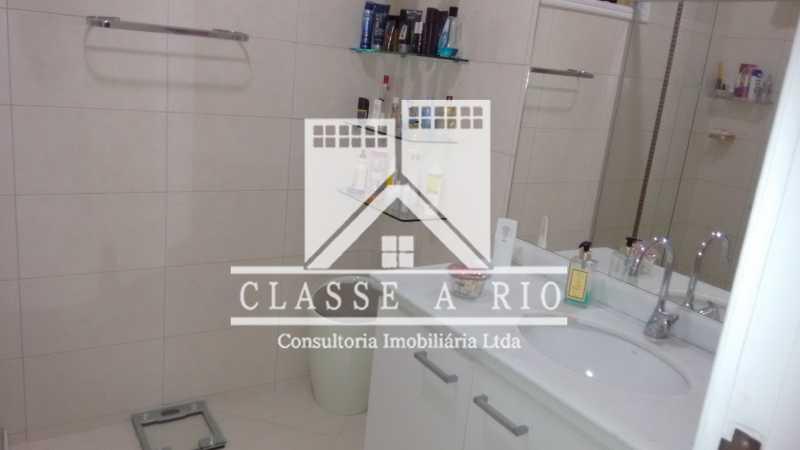 023 - Pechincha-Otima casa condominio,3 quartos,suite, 3 vagas de garagem - FRCN30003 - 24
