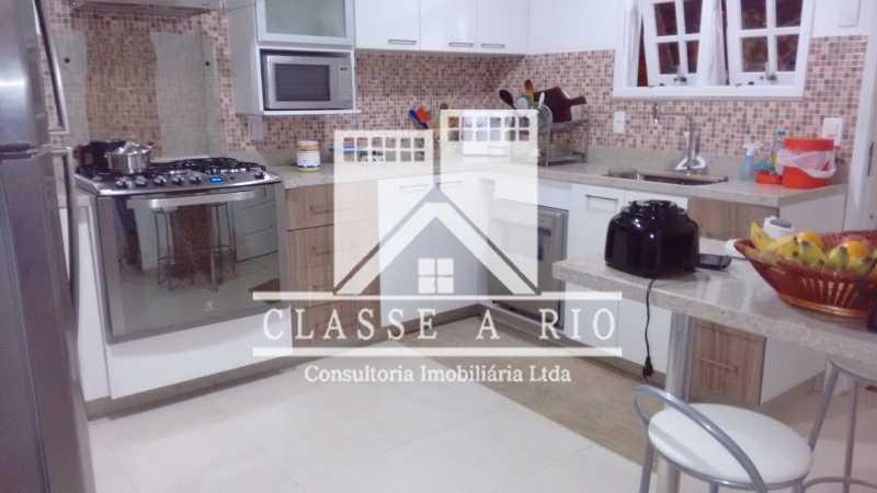 028 - Pechincha-Otima casa condominio,3 quartos,suite, 3 vagas de garagem - FRCN30003 - 28
