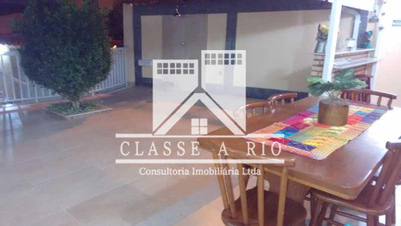 031 - Pechincha-Otima casa condominio,3 quartos,suite, 3 vagas de garagem - FRCN30003 - 31