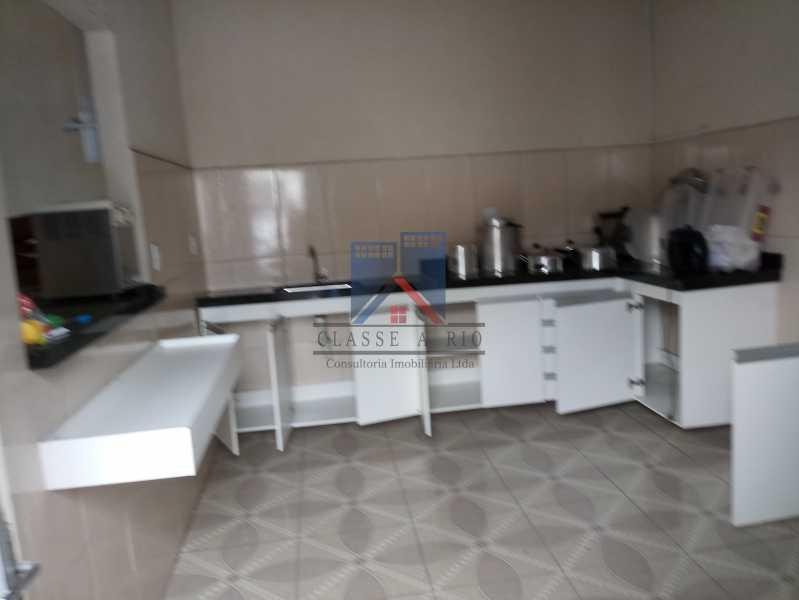03 - GALPÃO - Rocha Miranda 980m2 área construída com escritórios, refeitório, copa cozinha, banheiros, vestiários, oficina ..... - FRGA00001 - 28