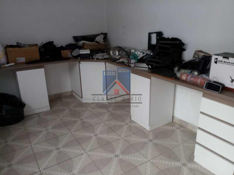 10 - GALPÃO - Rocha Miranda 980m2 área construída com escritórios, refeitório, copa cozinha, banheiros, vestiários, oficina ..... - FRGA00001 - 12