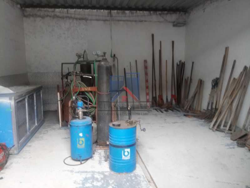 20 - GALPÃO - Rocha Miranda 980m2 área construída com escritórios, refeitório, copa cozinha, banheiros, vestiários, oficina ..... - FRGA00001 - 20