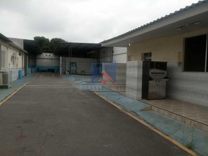29 - GALPÃO - Rocha Miranda 980m2 área construída com escritórios, refeitório, copa cozinha, banheiros, vestiários, oficina ..... - FRGA00001 - 31