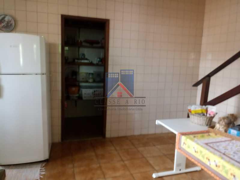 09 - Taquara - Linda Casa Condomínio - 3 Salas / 3 Qts / 2 suítes. - FRCN30036 - 9