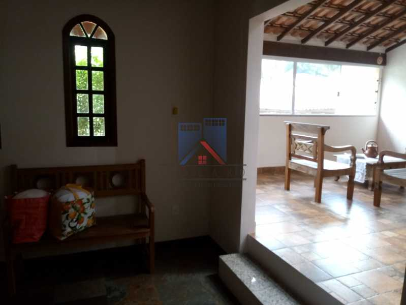 11 - Taquara - Linda Casa Condomínio - 3 Salas / 3 Qts / 2 suítes. - FRCN30036 - 11