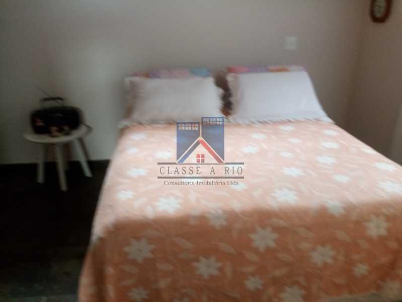 22 - Taquara - Linda Casa Condomínio - 3 Salas / 3 Qts / 2 suítes. - FRCN30036 - 22