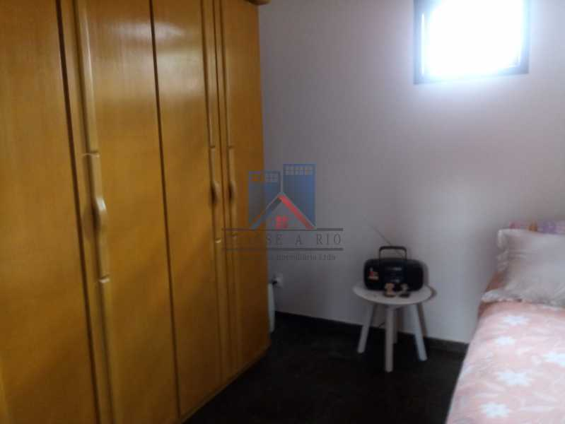 23 - Taquara - Linda Casa Condomínio - 3 Salas / 3 Qts / 2 suítes. - FRCN30036 - 23