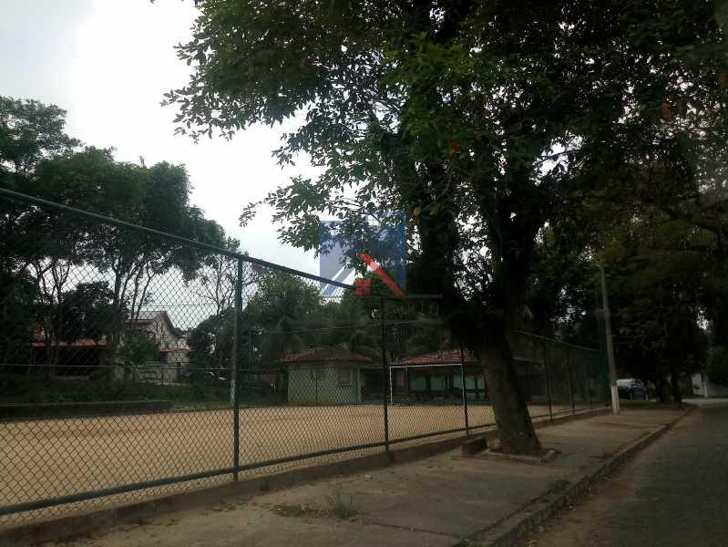 28 - Taquara - Linda Casa Condomínio - 3 Salas / 3 Qts / 2 suítes. - FRCN30036 - 28