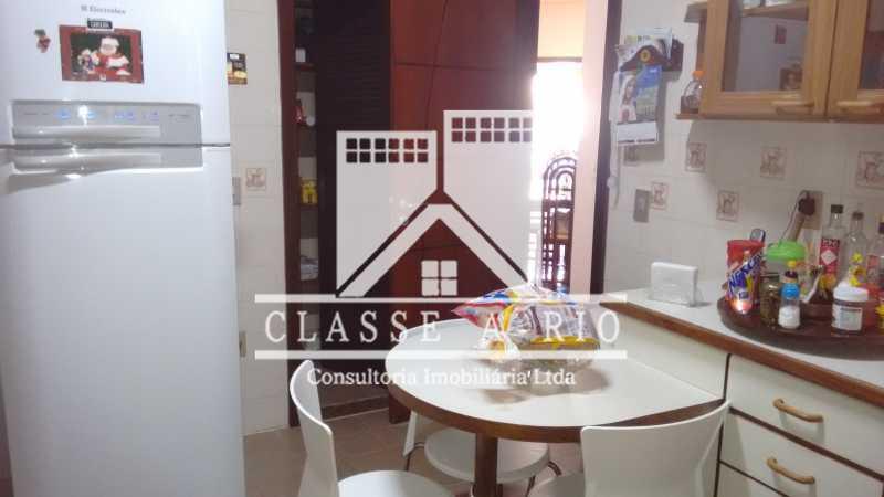 025 - Casa À Venda no Condomínio Colina do Retiro - Pechincha - Rio de Janeiro - RJ - FRCN30005 - 28