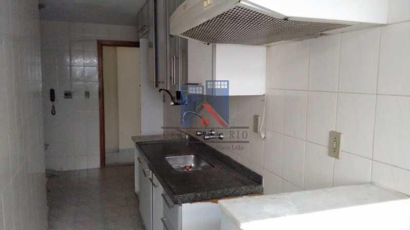 4 - Vendo-Praça Seca-Cobertura duplex, 186 metros, 03 quartos, 02 suites, dep.emp., 02 vagas de garagem - FRCO30013 - 20