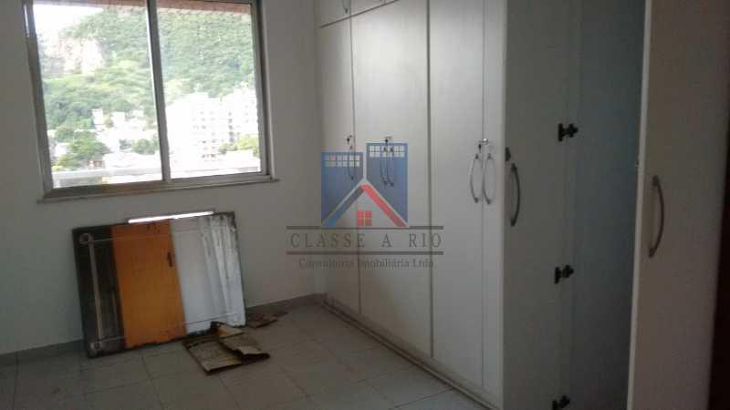 11 - Vendo-Praça Seca-Cobertura duplex, 186 metros, 03 quartos, 02 suites, dep.emp., 02 vagas de garagem - FRCO30013 - 11
