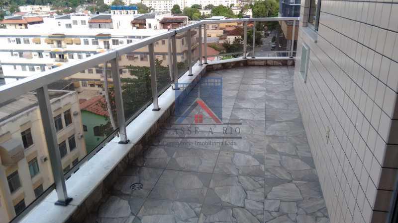 23 - Vendo-Praça Seca-Cobertura duplex, 186 metros, 03 quartos, 02 suites, dep.emp., 02 vagas de garagem - FRCO30013 - 4