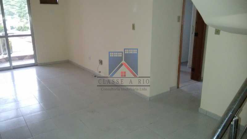 24 - Vendo-Praça Seca-Cobertura duplex, 186 metros, 03 quartos, 02 suites, dep.emp., 02 vagas de garagem - FRCO30013 - 7