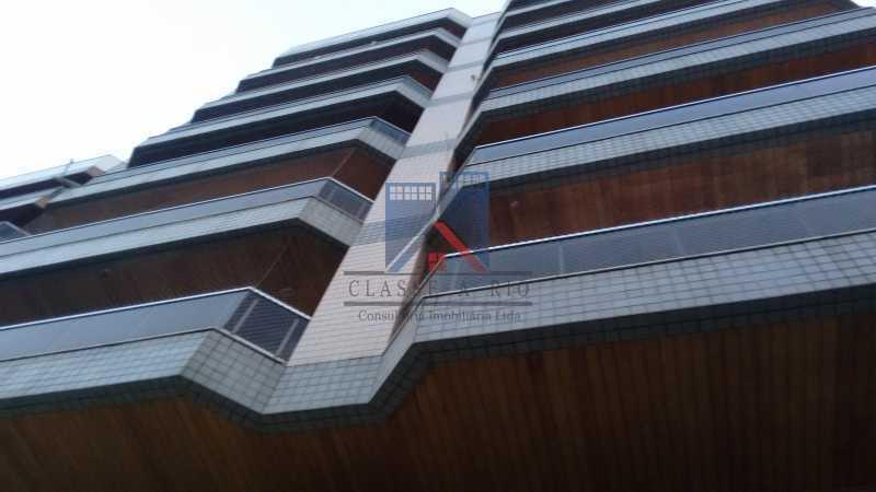 25 - Vendo-Praça Seca-Cobertura duplex, 186 metros, 03 quartos, 02 suites, dep.emp., 02 vagas de garagem - FRCO30013 - 3
