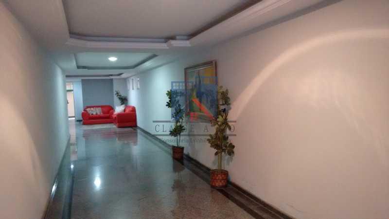 30 - Vendo-Praça Seca-Cobertura duplex, 186 metros, 03 quartos, 02 suites, dep.emp., 02 vagas de garagem - FRCO30013 - 30