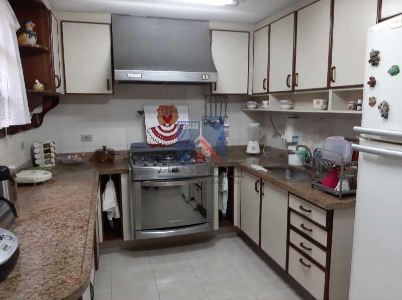 24 - Pechincha - Casa Condomínio - Magnífica - 3 quartos - súíte - Anexo - Piscina. - FRCN30041 - 26
