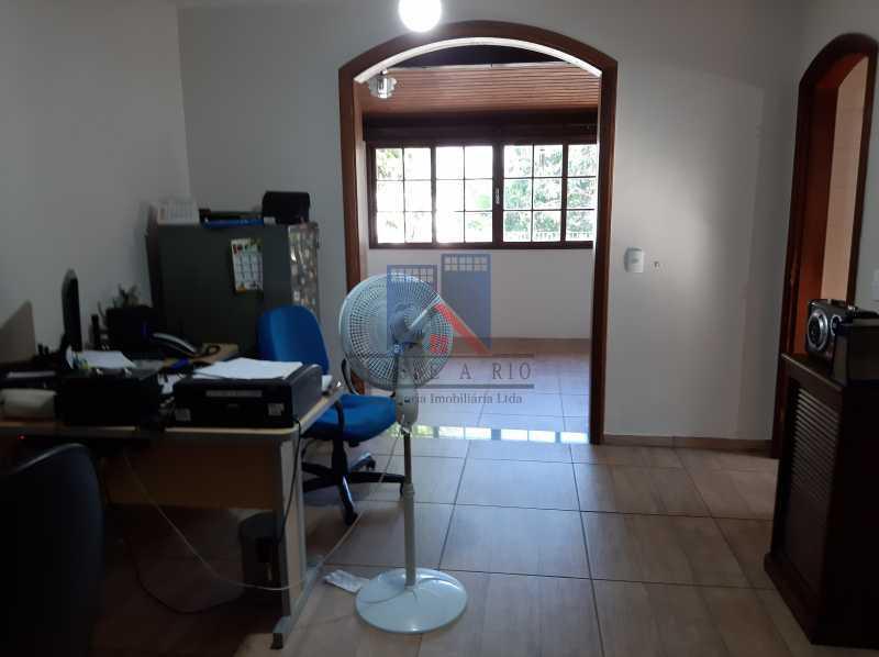 15 - Pechincha - Condomínio Fechado - Casa duplex. - FRCN30042 - 9