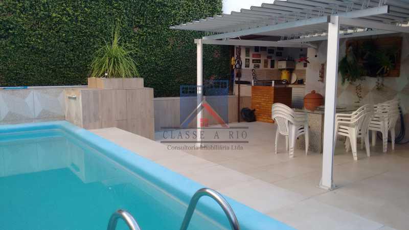 15 - Uruçanga-Belissima, Casa Condominio, 03 quartos,suite,lazer, 03 vagas de garagem - FRCN30047 - 16