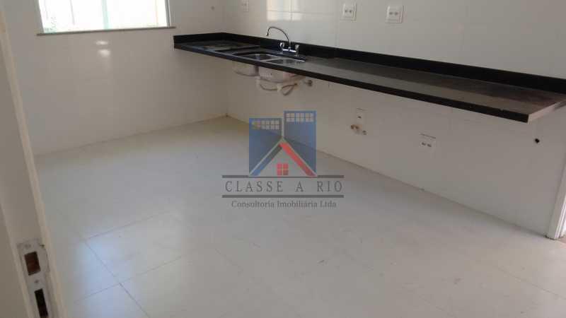 119 - Casa em Condominio, Bela Casa,Amplo Terreno,04 suites,piso Porcelanto, 04 vagas de garagem - FRCN40045 - 19
