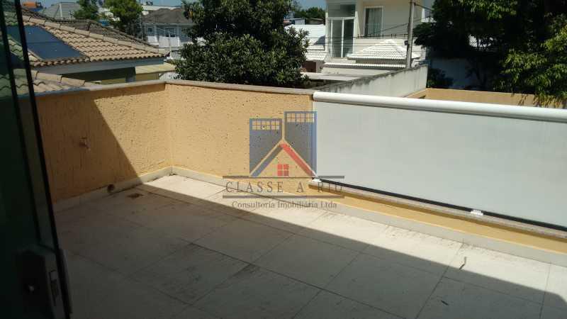 121 - Casa em Condominio, Bela Casa,Amplo Terreno,04 suites,piso Porcelanto, 04 vagas de garagem - FRCN40045 - 26
