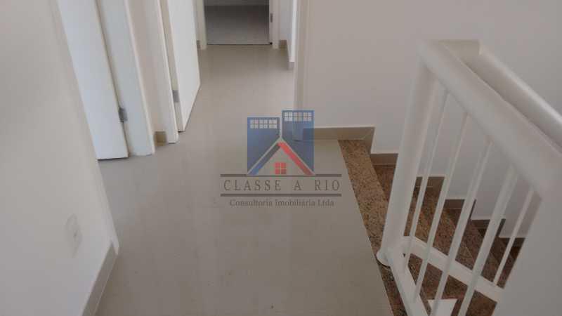 122 - Casa em Condominio, Bela Casa,Amplo Terreno,04 suites,piso Porcelanto, 04 vagas de garagem - FRCN40045 - 22