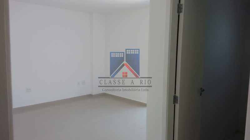 123 - Casa em Condominio, Bela Casa,Amplo Terreno,04 suites,piso Porcelanto, 04 vagas de garagem - FRCN40045 - 24