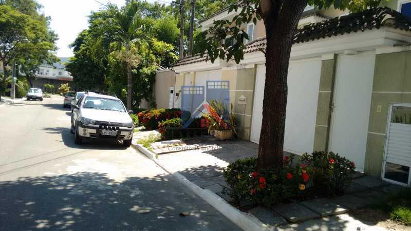 127 - Casa em Condominio, Bela Casa,Amplo Terreno,04 suites,piso Porcelanto, 04 vagas de garagem - FRCN40045 - 1