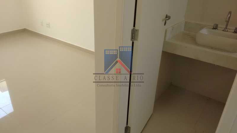 128 - Casa em Condominio, Bela Casa,Amplo Terreno,04 suites,piso Porcelanto, 04 vagas de garagem - FRCN40045 - 27