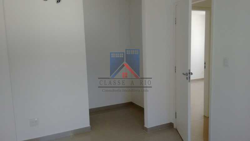 130 - Casa em Condominio, Bela Casa,Amplo Terreno,04 suites,piso Porcelanto, 04 vagas de garagem - FRCN40045 - 28