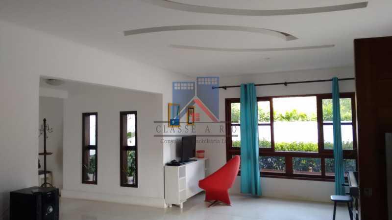 9 - Anil-Casa Duplex, Terreno 740 Metros Plano, Salão 03 Ambientes, Porcelanato, 04 Quartos Suites,Lazer, 04 Vagas de Garagem. Otima Localização - FRCA40007 - 12