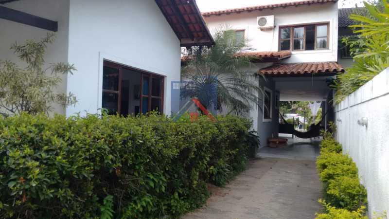11 - Anil-Casa Duplex, Terreno 740 Metros Plano, Salão 03 Ambientes, Porcelanato, 04 Quartos Suites,Lazer, 04 Vagas de Garagem. Otima Localização - FRCA40007 - 1