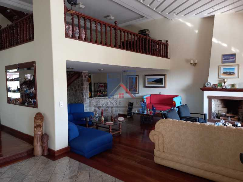01 - Freguesia-Casa Duplex,Condominio, 06 Quartos, Suites, Lazer, 03 Vagas de Garagem, aceita permuta casa menor. - FRCN60003 - 1