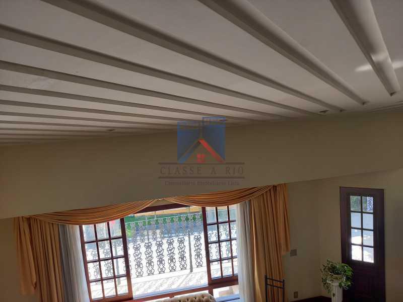 13 - Freguesia-Casa Duplex,Condominio, 06 Quartos, Suites, Lazer, 03 Vagas de Garagem, aceita permuta casa menor. - FRCN60003 - 14
