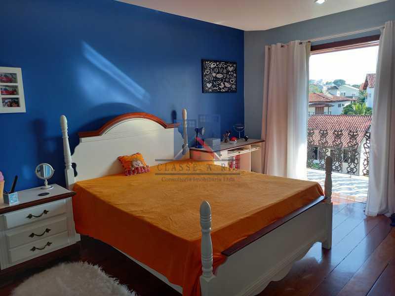 16 - Freguesia-Casa Duplex,Condominio, 06 Quartos, Suites, Lazer, 03 Vagas de Garagem, aceita permuta casa menor. - FRCN60003 - 17