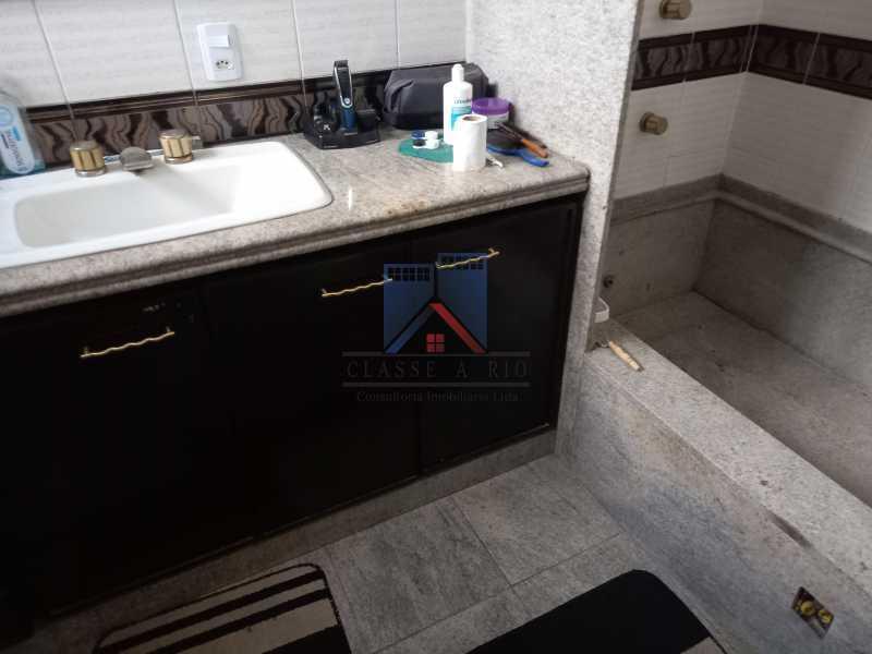20 - Freguesia-Casa Duplex,Condominio, 06 Quartos, Suites, Lazer, 03 Vagas de Garagem, aceita permuta casa menor. - FRCN60003 - 21
