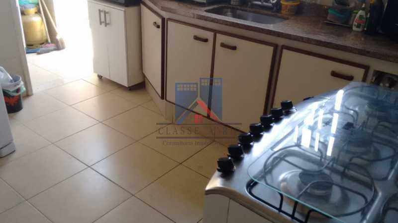 3 - ANIL-CASA CONDOMINIO, SALÃO, 03 QUARTOS,SUITES DEP.EMP .01 VVAGA DE GARAGEM - FRCN30050 - 25