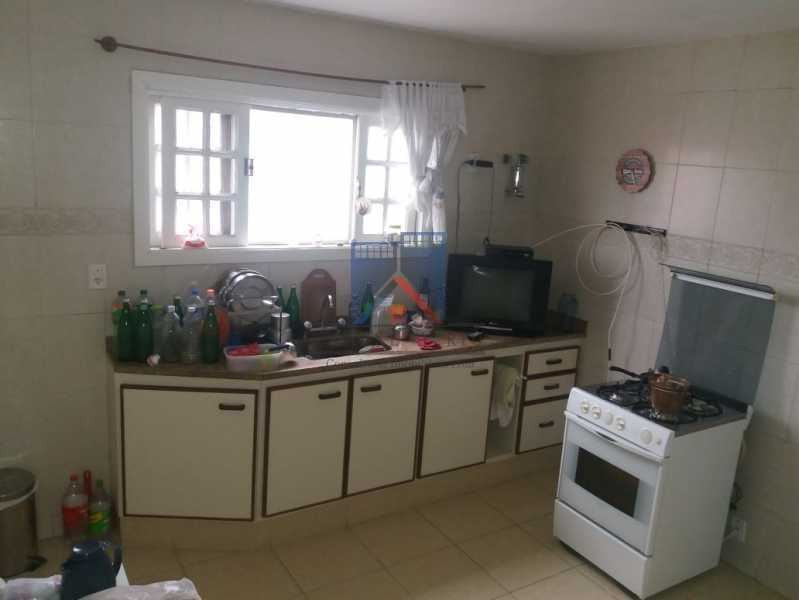14 - ANIL-CASA CONDOMINIO, SALÃO, 03 QUARTOS,SUITES DEP.EMP .01 VVAGA DE GARAGEM - FRCN30050 - 22