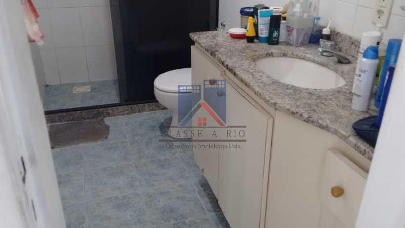 23 - ANIL-CASA CONDOMINIO, SALÃO, 03 QUARTOS,SUITES DEP.EMP .01 VVAGA DE GARAGEM - FRCN30050 - 19