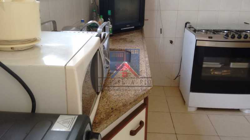 27 - ANIL-CASA CONDOMINIO, SALÃO, 03 QUARTOS,SUITES DEP.EMP .01 VVAGA DE GARAGEM - FRCN30050 - 27
