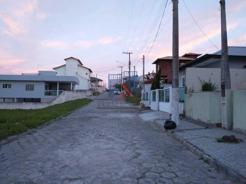 8 - CABO FRIO (PERÓ)-ALUGUEL-CASA EM CONDOMINIO, PRÓXIMO A PRAIA, 03 QUARTOS, 03 BANHEIROS, SUITE,TERRAÇO, QUINTAL COM CHURRASQUEIRA , LAZER NO COND., 05 VAGAS DE GARAGEM - FRCN30053 - 3