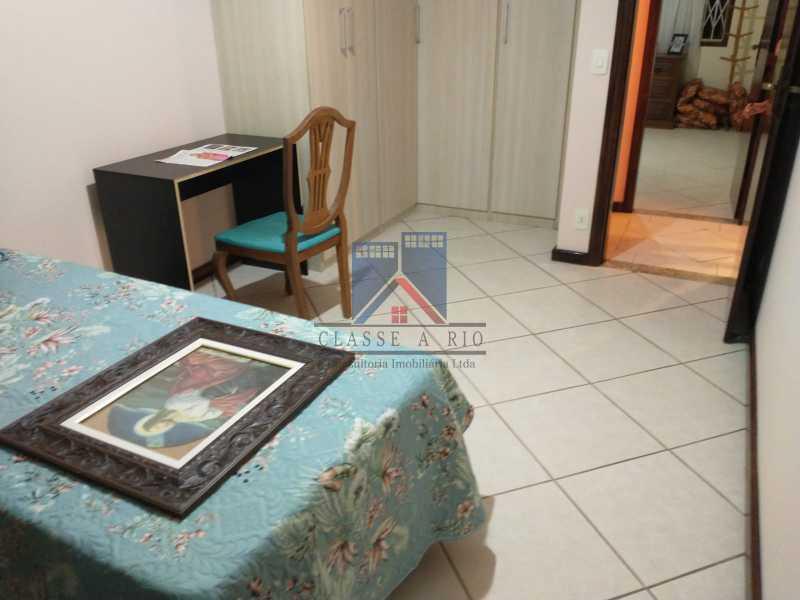 3 - Pechincha-Próximo ao Center Shopping, Casa Maravilhosa, 04 quartos (03 suites), 05 vagas de garagem - FRCA40009 - 18