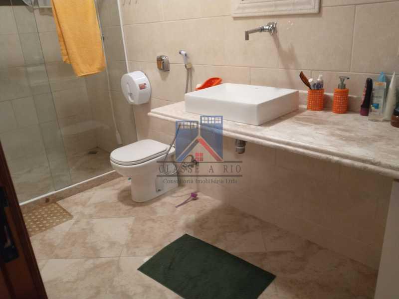 4 - Pechincha-Próximo ao Center Shopping, Casa Maravilhosa, 04 quartos (03 suites), 05 vagas de garagem - FRCA40009 - 17