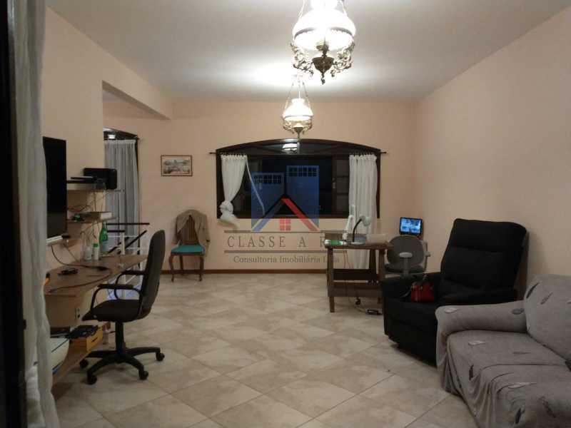 7 - Pechincha-Próximo ao Center Shopping, Casa Maravilhosa, 04 quartos (03 suites), 05 vagas de garagem - FRCA40009 - 23