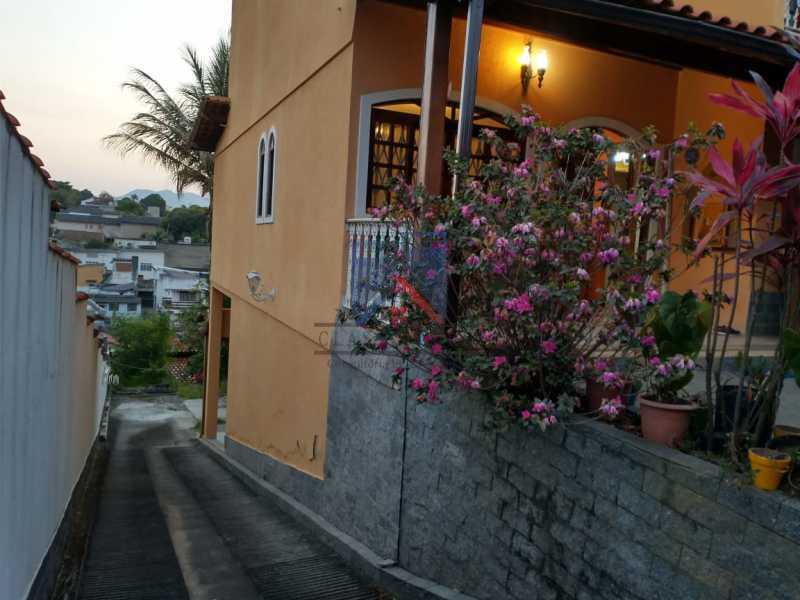 16 - Pechincha-Próximo ao Center Shopping, Casa Maravilhosa, 04 quartos (03 suites), 05 vagas de garagem - FRCA40009 - 5